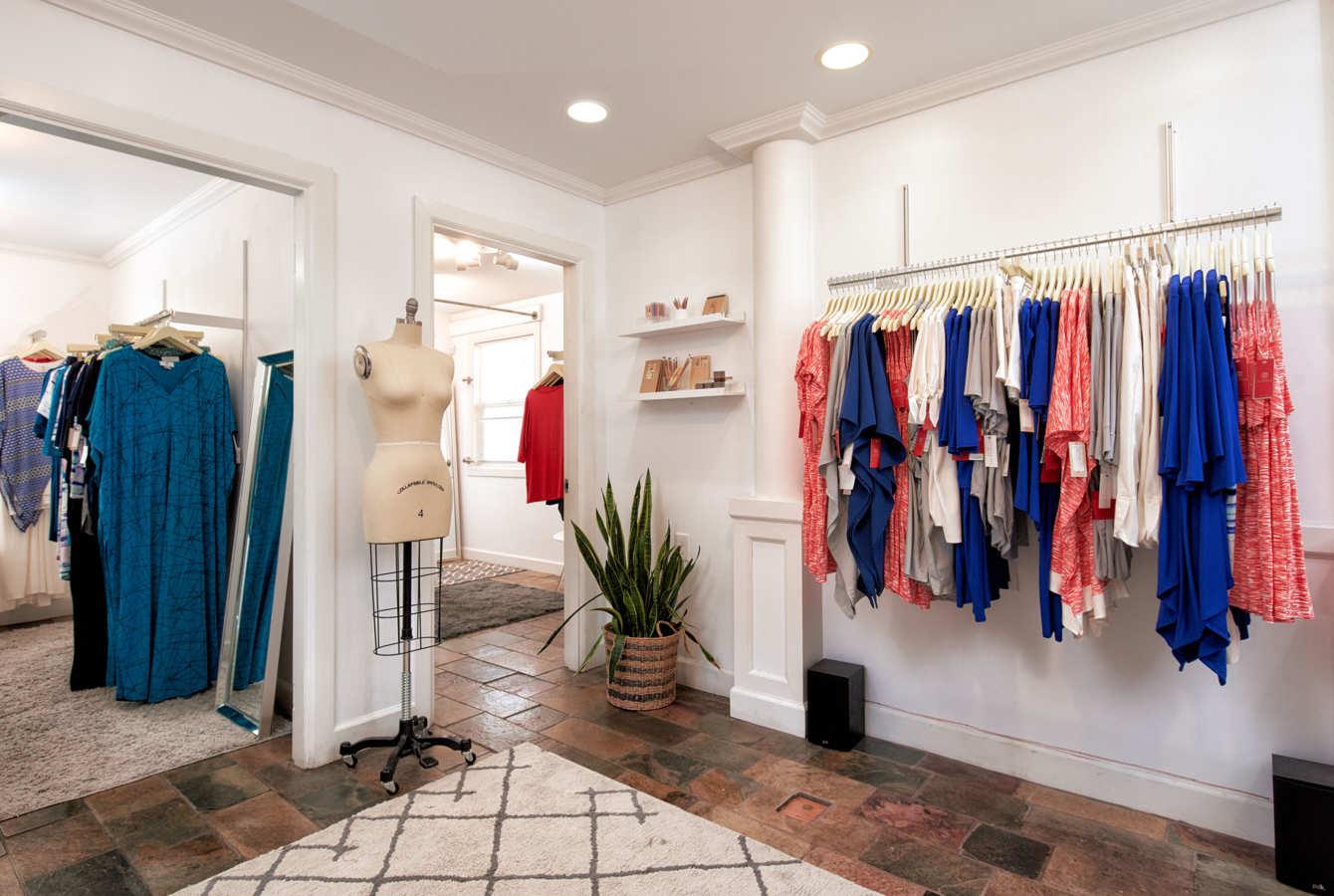 Where to Buy Reversible Bikinis, Vintage Kimonos, and More in Honolulu