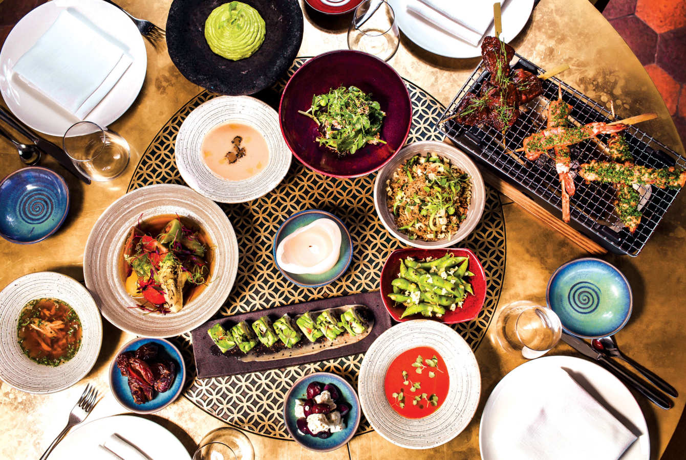 The Best of Both Worlds: Dubai's High and Low Food Spots