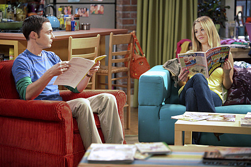 """The Infestation Hypothesis"" -- A fight between Sheldon (Jim Parsons, left) and Penny (Kaley Cuoco, right) leaves Amy caught in the middle, while Leonard tries to spice up his long-distance relationship with Priya, on THE BIG BANG THEORY, at a special time, Thursday Sept. 22 (8:30-9:00 PM, ET/PT) on the CBS Television Network.         Photo: Adam Taylor/Warner Bros.         ©2011 Warner Bros. Television. All Rights Reserved."