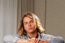 """LOS ANGELES, CA - 1988:  Actor River Phoenix, star of """"Stand By Me,"""" poses during a 1988 Los Angeles, California, photo portrait session. Phoenix, a rising young film star, tragically died in 1993 outside a Sunset Strip nightclub of a drug overdose. (Photo by George Rose/Getty Images)"""