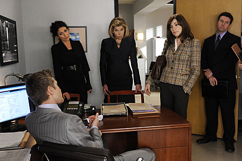 """""""Marthas and Caitlins""""--When Alicia (Julianna Margulies, right) and Diane (Chrsitine Baranski, center) work on a case with Celeste Serrano (guest star Lisa Edelstein, left), they must present Cary (Matt Czuchry, sitting) with a deal for a jailed witness, on THE GOOD WIFE, Sunday, Oct. 23 (9:00-10:00 PM ET/PT) on the CBS Television Network. Photo: Jeffrey Neira/CBS ?'??2011 CBS Broadcasting Inc. All Rights Reserved."""