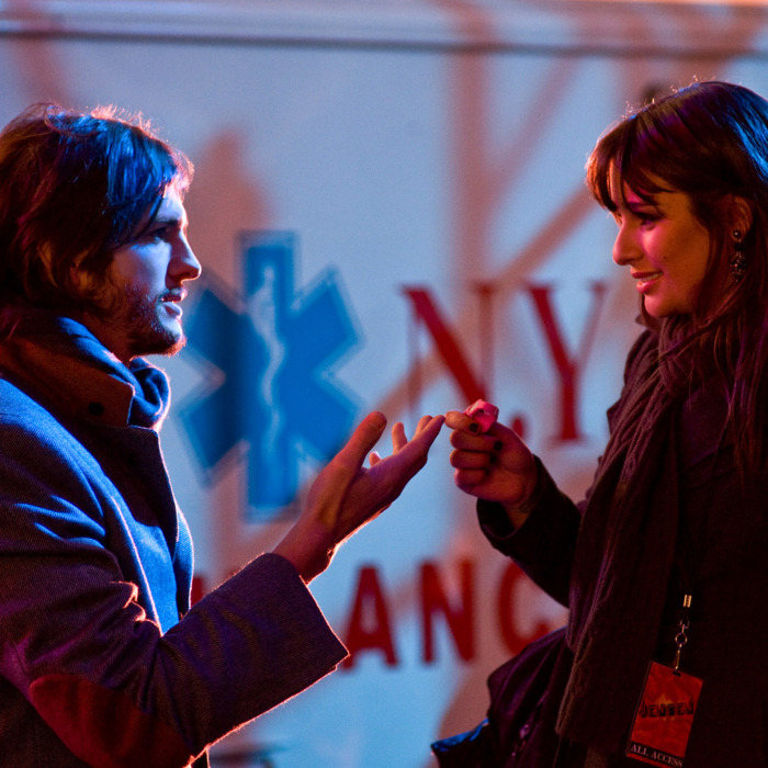 """(L-r) ASHTON KUTCHER as Randy and LEA MICHELE as Elise in New Line Cinema's romantic comedy """"NEW YEAR'S EVE,"""" a Warner Bros. Pictures release.Photo by Andrew Schwartz"""