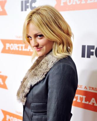 NEW YORK, NY - JANUARY 05: Actress Abby Elliott atttends the
