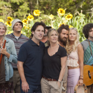 """(L to R, foreground) Kathy (KERRI KENNEY-SILVER), George (PAUL RUDD), Linda (JENNIFER ANISTON), Seth (JUSTIN THEROUX) and Eva (MALIN AKERMAN) at Elysium in """"Wanderlust"""", the raucous new comedy from director David Wain and producer Judd Apatow about a harried couple who leave the pressures of the big city and join a freewheeling community where the only rule is to be yourself."""