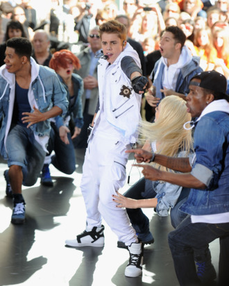 Justin Bieber peforms at TODAY Plaza on June 15, 2012 in New York City.
