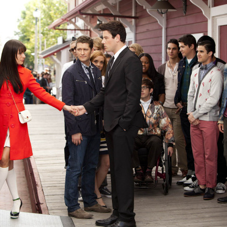 GLEE: Rachel (Lea Michele, L) says goodbye to Finn (Cory Monteith, third from L) and the rest of the glee club as she heads to New York in the