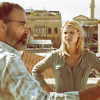 Claire Danes as Carrie Mathison and Mandy Patinkin as Saul Berenson in Homeland (Season 2, Episode 2)=