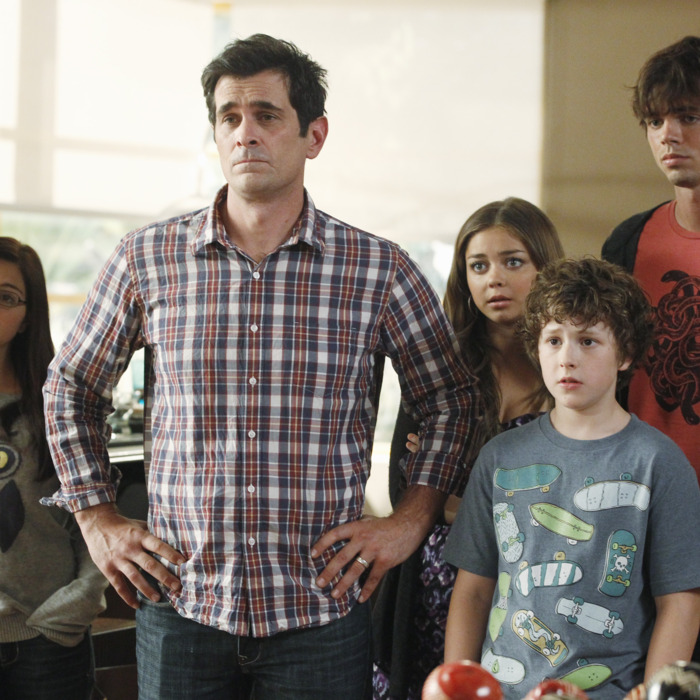 MODERN FAMILY - In the Season 4 premiere,