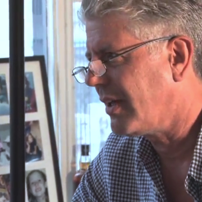 08c19a12de Watch Anthony Bourdain Clarify His Thoughts on Hollandaise and Free ...