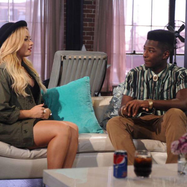 THE X FACTOR: Demi Lovato (L) chooses her final 4 to advance to the live shows on THE X FACTOR airing Wednesday, Oct. 17 (8:00-10:00PM ET/PT) on FOX. Also pictured: Willie Jones.