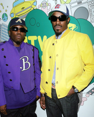 (U.S. TABS OUT) Actor/rappers Antwan A. (Big Boi) Patton (L) and Andre (Andre 3000) Benjamin of Outkast pose backstage during MTV's Total Request Live at the MTV Times Square Studios on August 22, 2006 in New York City.