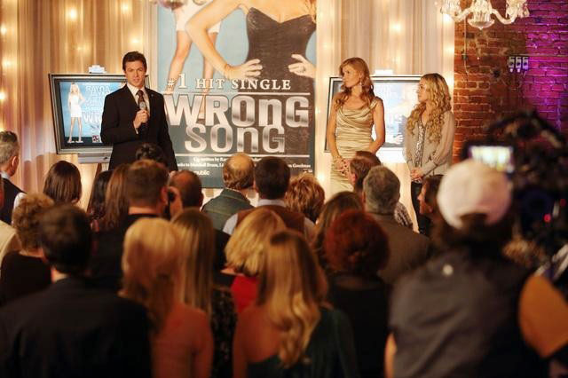 """NASHVILLE - """"You Win Again"""" -- Edgehill Records celebrates the success of """"Wrong Song"""" with a lavish party attended by Rayna, Juliette and real-life country stars including Brantley Gilbert and Chris Young (who cameo as themselves). But the party gets awkward for Juliette, who brings her mom along, and for Rayna when she's aggressively pursued by Calista (Ming-Na Wen), an exec from a competing record label. Meanwhile Teddy confronts Rayna about his suspicions over her relationship with Liam, Gunnar deals with family issues and Avery gets too comfortable with his newfound success, on """"Nashville,"""" WEDNESDAY, JANUARY 23 (10:00-11:00 p.m. ET) on the ABC Television Network. (ABC/CHRIS HOLLO)         ERIC CLOSE, CONNIE BRITTON, HAYDEN PANETTIERE"""