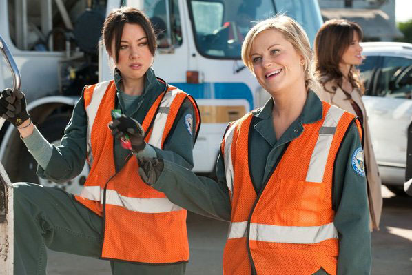 """PARKS AND RECREATION -- """"Women In Garbage"""" Episode 514 -- Pictured: (l-r) Aubrey Plaza as April Ludgate, Amy Poehler as Leslie Knope"""