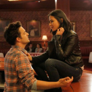 """NEW GIRL:  Nick (Jake Johnson, L) meets a tough and beautiful customer (guest star Olivia Munn, R) at the bar in the """"Bathtub"""" episode of NEW GIRL airing Tuesday, Dec. 4 (9:00-9:30 PM ET/PT) on FOX."""