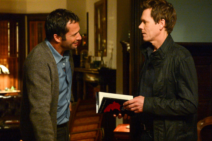 """THE FOLLOWING: In a flashback scene Ryan Hardy (Kevin Bacon, R) seeks advice from Professor Joe Carroll (James Purefoy, L) in the """"Poet's Fire"""" episode of  THE FOLLOWING airing Monday, Feb. 4 (9:00-10:00 PM ET/PT) on FOX."""