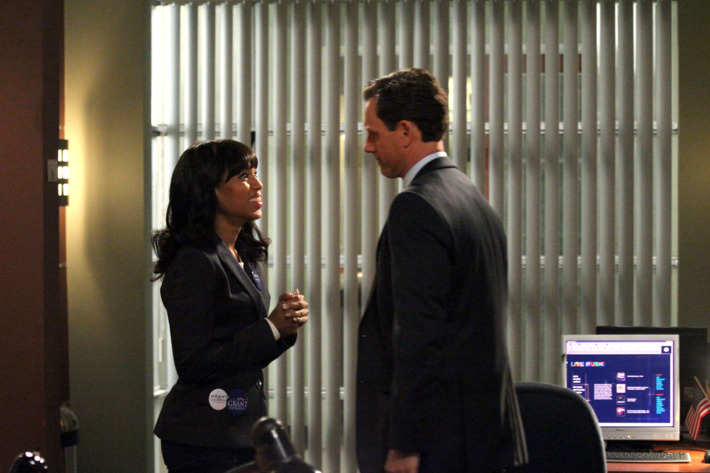 """SCANDAL - """"Nobody Likes Babies"""" - As David uncovers the truth about the Cytron case, things come to a head for Olivia, Cyrus, Mellie, Hollis and Verna. Backed into a corner, the five conspirators go to extremes and, in some cases, unconscionable lengths to protect themselves and/or the ones they love, on ABC's """"Scandal,"""" THURSDAY, FEBRUARY 7 (10:02-11:00 p.m., ET) on the ABC Television Network. (ABC/RICHARD CARTWRIGHT)KERRY WASHINGTON, TONY GOLDWYN"""