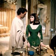 Richard Burton as Marc Antony with Liz Taylor as Cleopatra