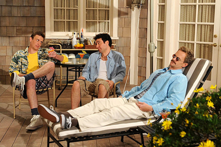 """""""Weekend at Barney'™s"""" -- When Ted (Josh Radnor, center) and Jeanette break up, Barney (Neil Patrick Harris, right) tries to help him land a new girl by using the infamous playbook Robin thought he had destroyed, on HOW I MET YOUR MOTHER, Monday, Feb. 25 (8:00-8:30 PM, ET/PT)"""