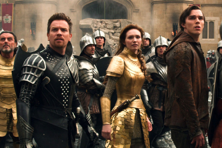 """(L-r) IAN McSHANE as King Brahmwell, EWAN McGREGOR as Elmont, ELEANOR TOMLINSON as Isabelle and NICHOLAS HOULT as Jack in New Line Cinema's and Legendary Pictures' action adventure """"JACK THE GIANT SLAYER,"""" a Warner Bros. Pictures release."""