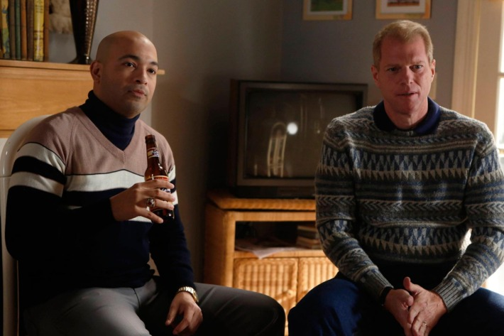 THE AMERICANS -- Safe House -- Episode 9 (Airs Wednesday, April 3, 10:00 pm e/p) -- Pictured: (L-R) Maximiliano Hernandez as FBI Agent Chris Amador, Noah Emmerich as FBI Agent Stan Beeman .