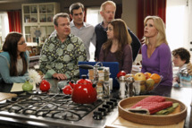 """MODERN FAMILY - """"Flip Flop"""" - Phil is pretty confident in his ability to sell Claire and Cam's flipped house, but when it proves to be a little harder than he thought, he recruits the whole family into taking some desperate, borderline crazy measures. Meanwhile, Javier (guest star Benjamin Bratt) is visiting Manny and brings along his new girlfriend (guest star Paget Brewster), which doesn't sit very well with Gloria, on """"Modern Family,"""" WEDNESDAY, APRIL 10 (9:00-9:31 p.m., ET) on the ABC Television Network. (ABC/Peter """"Hopper"""" Stone)         ARIEL WINTER, ERIC STONESTREET, TY BURRELL, JESSE TYLER FERGUSON, SARAH HYLAND, JULIE BOWEN, NOLAN GOULD"""