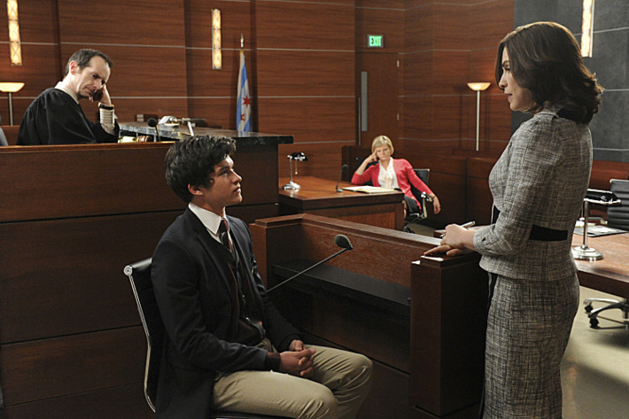 """""""What\'s in the Box?""""--Zach (Graham Phillips, left) is called to the stand by Alicia (Julianna Margulies, far right) when he witnesses possible vote tampering on the eve of the gubernatorial election as Judge Abernathy (Denis O???€?™Hare, far left) and Patti Nyholm (Martha Plimpton, right) observe, on THE GOOD WIFE, Sunday April 28 (9:00-10:00 PM, ET/PT) on the CBS Television Network. Photo: David M. Russell/CBS ?'??2013 CBS Broadcasting, Inc. All Rights Reserved"""