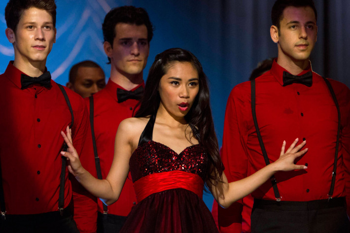 """GLEE: AMERICAN IDOL Season 11 runner-up Jessica Sanchez (C) performs on a rival team competing against New Directions at Regionals in the """"All Or Nothing"""" season finale episode of GLEE airing Thursday, May 9 (9:00-10:00 PM ET/PT) on FOX. ©2013 Fox Broadcasting Co. CR: Adam Rose/FOX"""