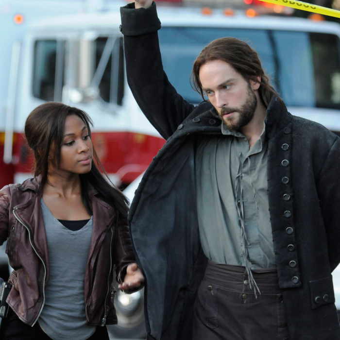 "SLEEPY HOLLOW: Ichabod Crane (Tom Mison, R) helps Lt. Abbie Mills (Nicole Beharie, L) uncover a new evil soldier in Sleepy Hollow in the ""For The Triumph of Evil"" episode of SLEEPY HOLLOW airing Monday, Sept. 30 (9:00-10:00 PM ET/PT) on FOX. ©2013 Fox. Broadcasting Co. CR: Brownie Harris/FOX"