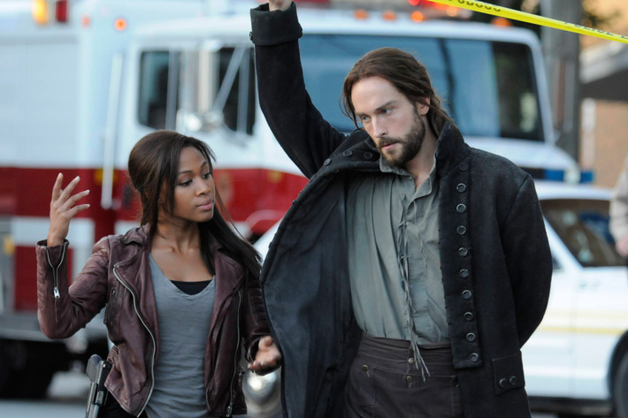 """SLEEPY HOLLOW: Ichabod Crane (Tom Mison, R) helps Lt. Abbie Mills (Nicole Beharie, L) uncover a new evil soldier in Sleepy Hollow in the """"For The Triumph of Evil"""" episode of SLEEPY HOLLOW airing Monday, Sept. 30 (9:00-10:00 PM ET/PT) on FOX. ©2013 Fox. Broadcasting Co. CR: Brownie Harris/FOX"""