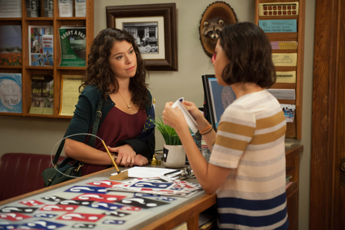 """PARKS AND RECREATION -- """"Gin It Up"""" Tatiana Maslany as Nadia, Aubrey Plaza as April Ludgate"""