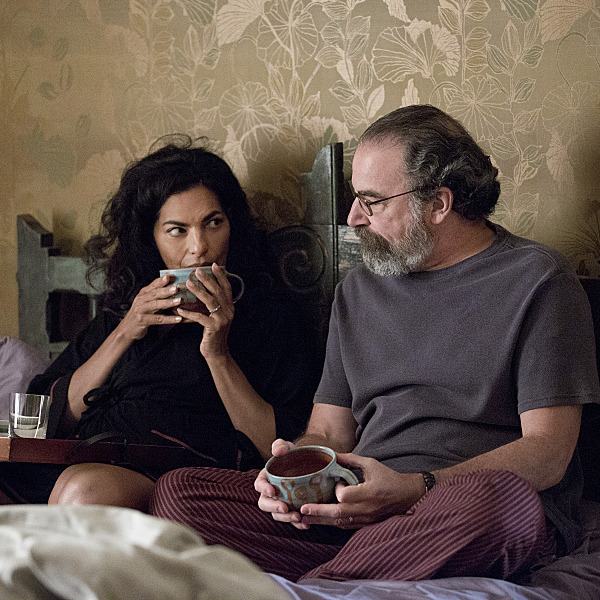 Sarita Choudhury as Mira and Mandy Patinkin as Saul Berenson in Homeland