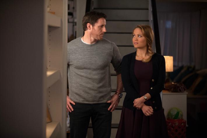 "PARENTHOOD -- ""You've Got Mold"" Episode 514 -- Pictured: (l-r) Sam Jaeger as Joel, Erika Christensen as Julia."