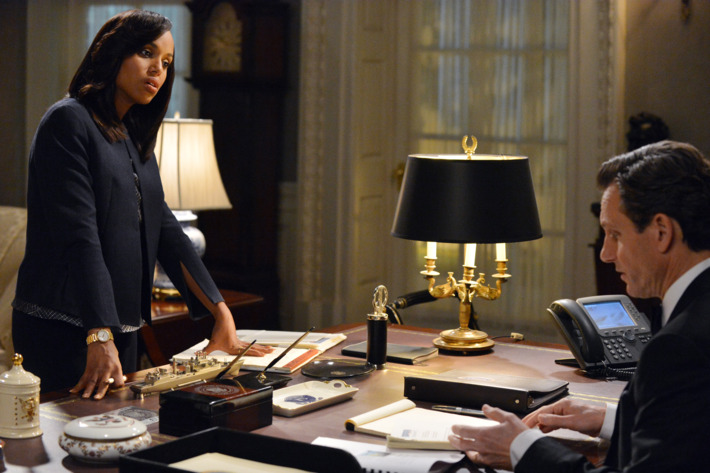 """SCANDAL - """"We Do Not Touch the First Ladies"""" - Old feelings and jealousies arise at a Presidential event causing Fitz to face a harsh reality. Meanwhile, Quinn tries to prove herself to B613 and Leo Bergen sets up a meeting between Sally and an old friend, on ABC's """"Scandal,"""" THURSDAY, MARCH 6 (10:00-11:00 p.m., ET) on the ABC Television Network.(ABC/Eric McCandless)KERRY WASHINGTON, TONY GOLDWYN"""
