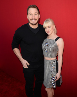 Actors Anna Faris and Chris Pratt attend the premiere of