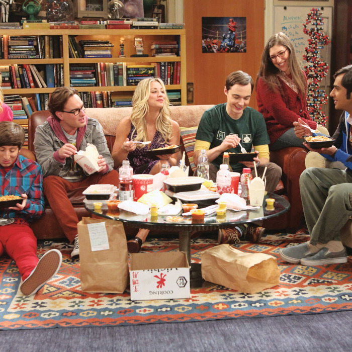 "???€?œThe Re-Entry Minimization???€? -- Game Night turns into a battle of the sexes, on THE BIG BANG THEORY, Thursday, Oct. 18 (8:30 ???€?"" 9:00 PM, ET/PT) on the CBS Television Network. From left to right ???€?"" Bernadette (Melissa Rauch), Wolowitz (Simon Helberg), Leonard (Johnny Galecki), Penny (Kaley Cuoco), Sheldon (Jim Parsons), Amy (Mayim Bialik), Koothrappali (Kunal Nayyar). Photo: Michael Yarish/Warner Bros. ?'??2012 Warner Bros. Television. All Rights Reserved."