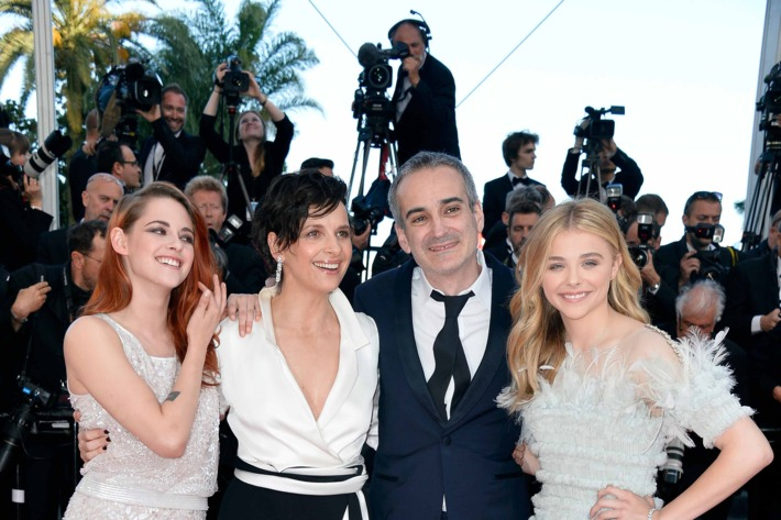"""(L-R) Actresses Kristen Stewart, Juliette Binoche, director Olivier Assayas and Chloe Grace Moretz attend the """"Clouds Of Sils Maria"""" premiere during the 67th Annual Cannes Film Festival on May 23, 2014 in Cannes, France."""