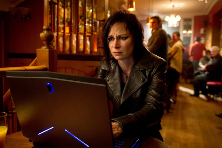 """24:  LIVE ANOTHER DAY:  Chloe (Mary Lynn Rajskub) tracks the drone in the """"7:00 PM - 8:00 PM"""" episode of 24: LIVE ANOTHER DAY airing Monday, June 23 (9:00-10:00 PM ET/PT) on FOX."""