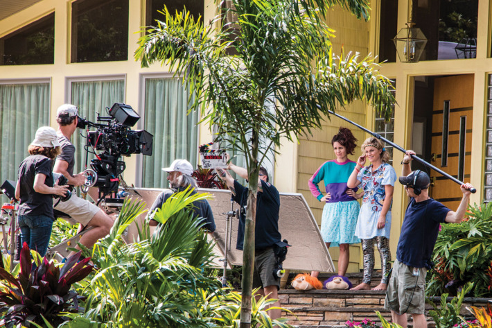 Tina Fey and Amy Poehler star on set of the Nest during filming in Long Island. the plot... Two sisters decide to throw one last house party before their parents sell their family home.  Director:Jason MooreWriter:Paula Pell (screenplay)