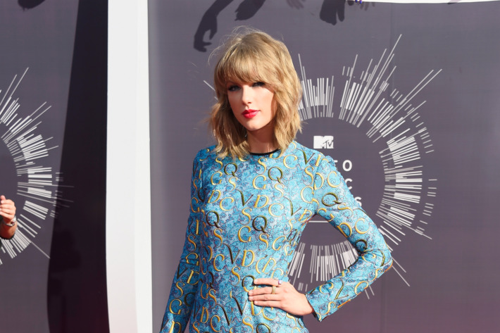 INGLEWOOD, CA - AUGUST 24:  Recording artist Taylor Swift attends the 2014 MTV Video Music Awards at The Forum on August 24, 2014 in Inglewood, California.  (Photo by Frazer Harrison/Getty Images)