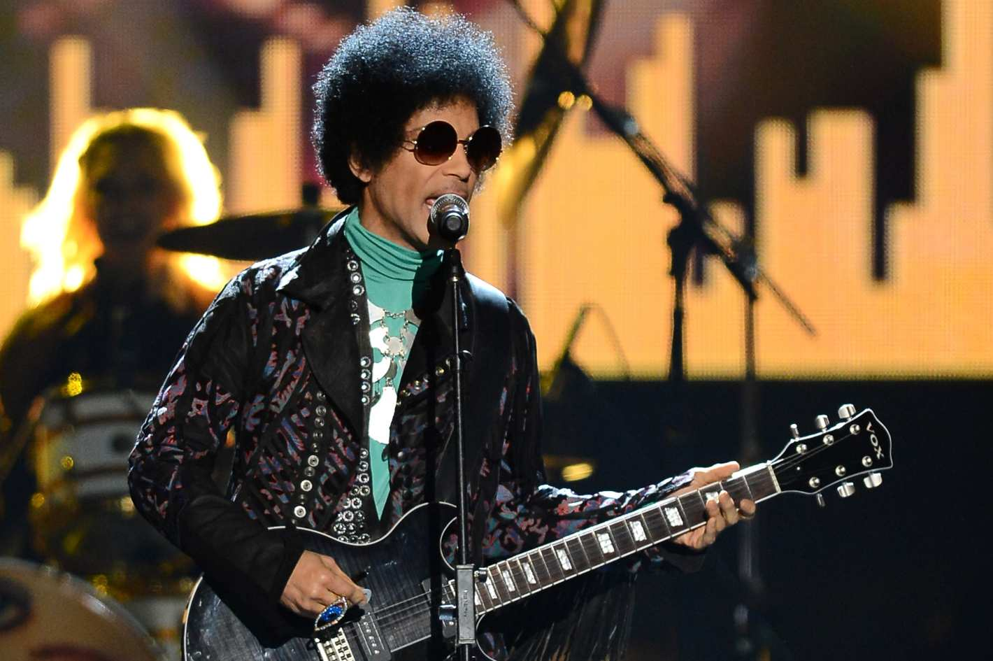 81f691a8f3 24 Outrageous Prince Stories