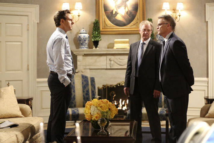 """SCANDAL - """"Like Father, Like Daughter"""" - Fitz asks Olivia to shut down a situation that could destroy the Grant family's reputation. Meanwhile, Rowan calls on an old friend to do his dirty work, on """"Scandal,"""" THURSDAY, OCTOBER 16 (9:00-10:00 p.m., ET) on the ABC Television Network. (ABC/Adam Taylor)TONY GOLDWYN, JEFF PERRY, STEVEN FLYNN"""