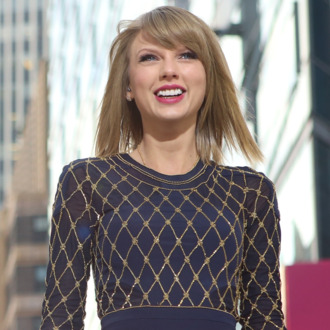 GOOD MORNING AMERICA - Taylor Swift performs live in Times Square on