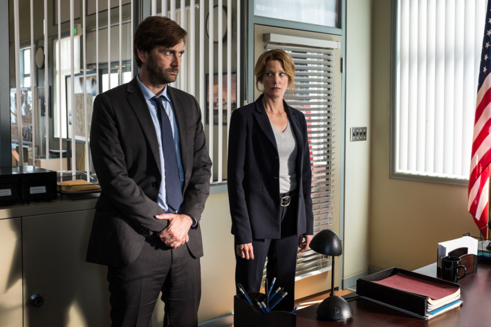 """GRACEPOINT: Detectives Emmett Carver (David Tennant, L) and Ellie Miller (Anna Gunn, R) race against the clock to find out who killed Danny Solano in """"Episode Nine"""" of GRACEPOINT airing Thursday, Dec. 4 (9:00-10:00 PM ET/PT) on FOX. ?2014 Fox Broadcasting Co. Cr: Ed Araquel/FOX"""