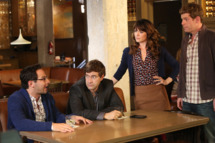 """THE LEAGUE -- Episode 11: """"EBDBnB"""" (Airs Wednesday, November 12, 10:00 PM e/p). Pictured: (L-R) Nick Kroll as Ruxin, Mark Duplass as Pete, Katie Aselton as Jenny, Stephen Rannazzisi as Kevin. CR: Patrick McElhenney/FXX"""