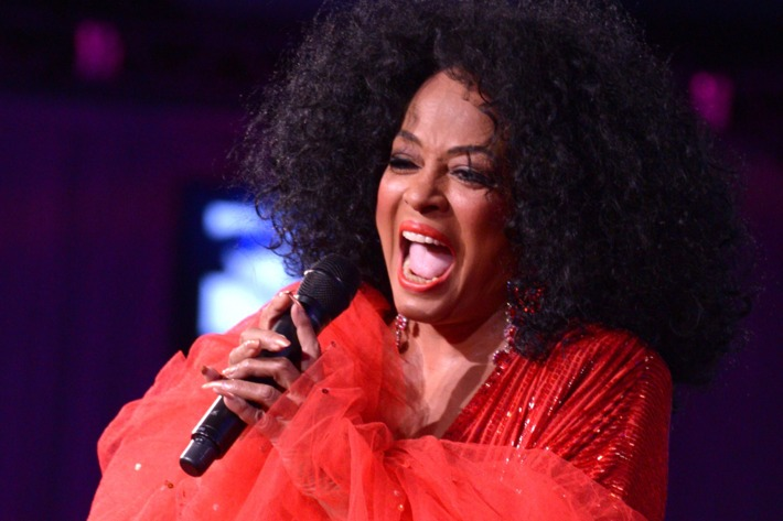 MIAMI, FL - NOVEMBER 01: Diana Ross attends 20th Annual Intercontinental Miami Make-A-Wish Ball at Hotel intercontinental on November 1, 2014 in Miami, Florida. (Photo by Manny Hernandez/WireImage)