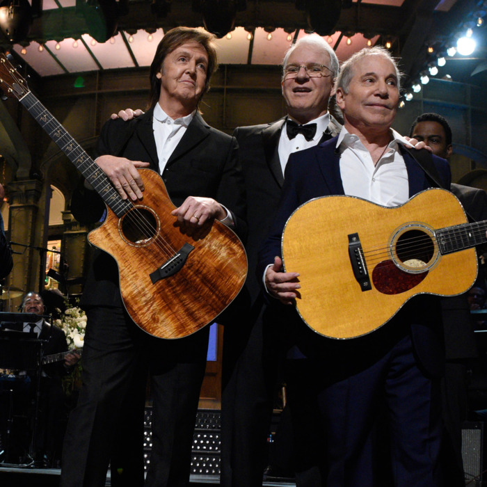 SATURDAY NIGHT LIVE 40TH ANNIVERSARY SPECIAL -- Pictured: (l-r) Tom Hanks, Melissa McCarthy, Peyton Manning, Billy Crystal, Paul McCartney, Steve Martin, Paul Simon, Alec Baldwin during the cold open on February 15, 2015 -- (Photo by: Dana Edelson/NBC/NBCU Photo Bank via Getty Images)