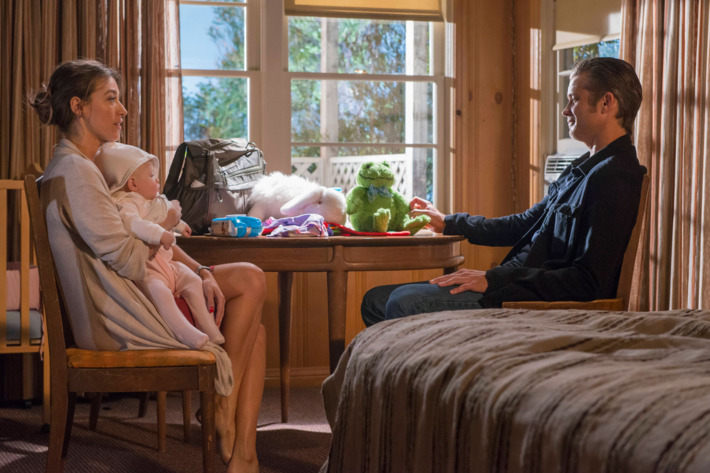 """JUSTIFIED -- """"The Hunt"""" -- Episode 607 (Airs Tuesday, March 3, 10:00 pm e/p) -- Pictured: (L-R) Natalie Zea as Winona Hawkins, Timothy Olyphant as Deputy U.S. Marshal Raylan Givens -- CR: Prashant Gupta/FX"""