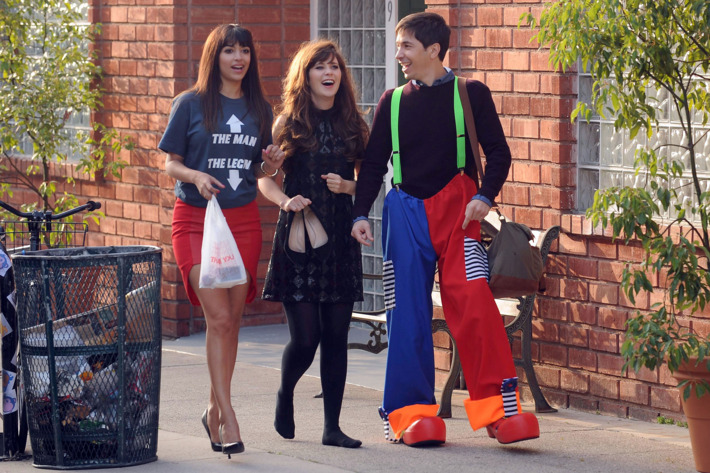 """NEW GIRL:  During a long walk home after a night of partying, Cece (Hannah Simone, L) and Jess (Zooey Deschanel, C) run into Jess' ex-boyfriend Paul (guest star Justin Long, R) in the """"Walk of Shame"""" episode of NEW GIRL airing Tuesday, March 3 (9:00-9:30 PM ET/PT) on FOX. ?2015 Fox Broadcasting Co. Cr: Ray Mickshaw/FOX"""