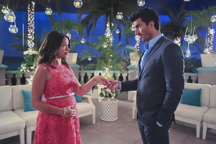 """Jane The Virgin -- """"Chapter Fifteen"""" -- Image Number: JAV115a_0035.jpg -- Pictured (L-R): Gina Rodriguez as Jane and Justin Baldoni as Rafael -- Photo: Danny Feld/The CW -- ?'?? 2015 The CW Network, LLC. All rights reserved."""