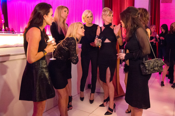 "THE REAL HOUSEWIVES OF BEVERLY HILLS -- ""The Party's Over"" Episode 519 -- Pictured: (l-r) Kyle Richards, Kim Richards, Brandi Glanville, Yolanda H. Foster, Eileen Davidson, Lisa Vanderpump -- (Photo by: Nicole Weingart/Bravo)"